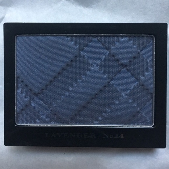 Burberry Other - Burberry Lavender Sheer Eyeshadow